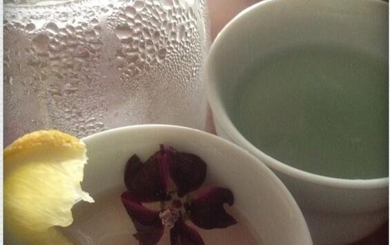 体が重い時にオススメ。デトックス作用のある7つのお茶
