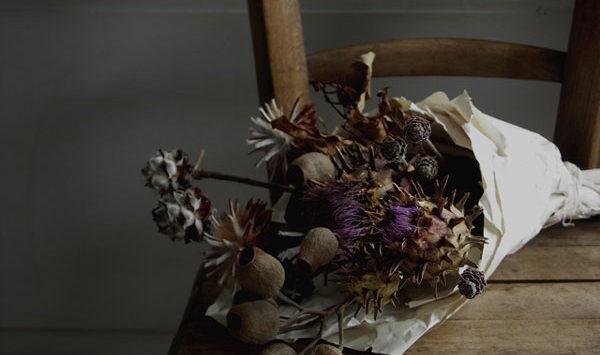 怖い花言葉、花束を贈るときに絶対選んではいけない7つの花