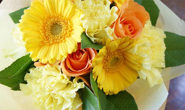 黄色のお花のプレゼントが友人の心と体を超元気にする7つの理由☆