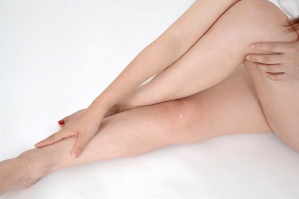 アロマオイルマッサージ、足のむくみをスッキリとる7つの方法☆