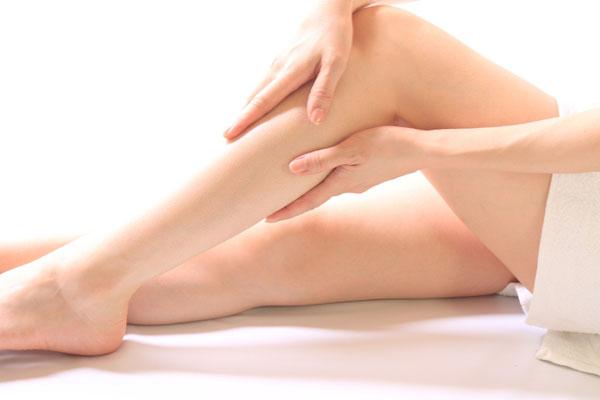 美脚になれる!足痩せに効果的なマッサージオイル7つの秘密