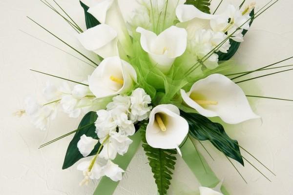 ストックの花言葉が結婚式のブーケにぴったりな7つの理由
