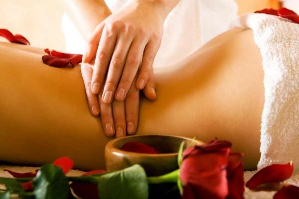 アロママッサージが女性の美にもたらす7つの効果