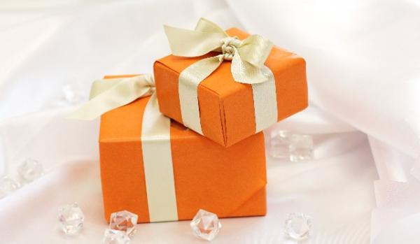 退職のプレゼント☆花束に添えたい心に響く7つの品々