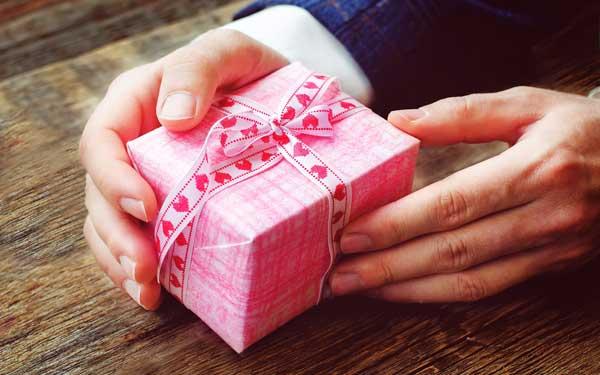 誕生日プレゼントランキング!彼女に贈る7つの品々