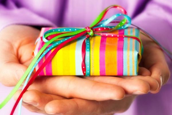 誕生日プレゼントランキング!親友へ気遣いの品々