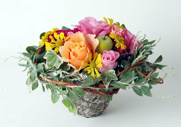 生花を長く楽しむために☆水切り・水揚げなど管理の仕方