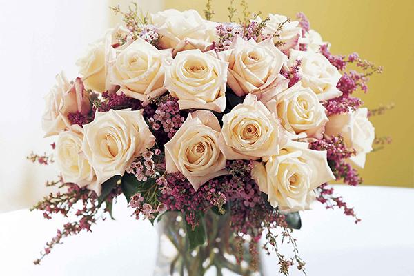 花瓶を買ってフラワーアレンジ☆初心者さんにおすすめ