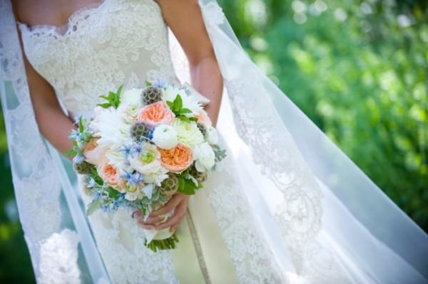春の花で祝う結婚式☆柔らかくまとめるアレンジアイデア