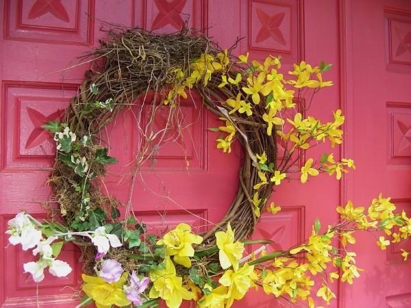 春の花のリース☆玄関を可愛く彩る7つのおすすめの花々