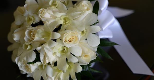 白いバラの花言葉☆ブーケとして愛される7つの理由