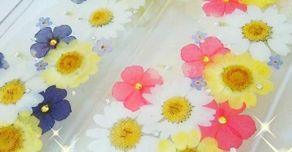 押し花の作り方は簡単☆気持ちを添える手作りアイデア集