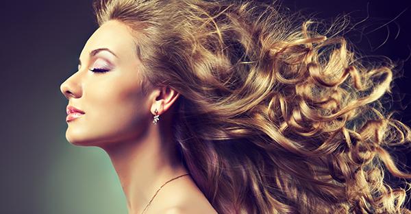 ホホバオイルは髪にも効く、一本でOK!驚きの美容法