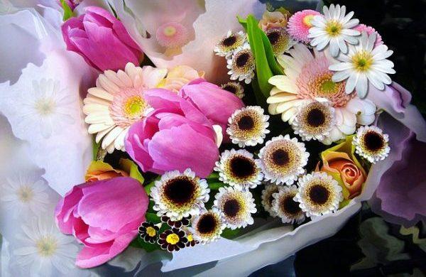 花束の値段相場とシーン別5つの贈り方
