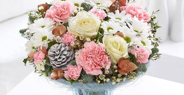 12月の誕生花を贈る☆大切な女性へ贈りたい7つの花々