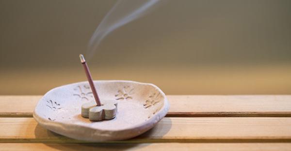 お香で穏やかな毎日☆アロマ効果を促すおすすめの香り