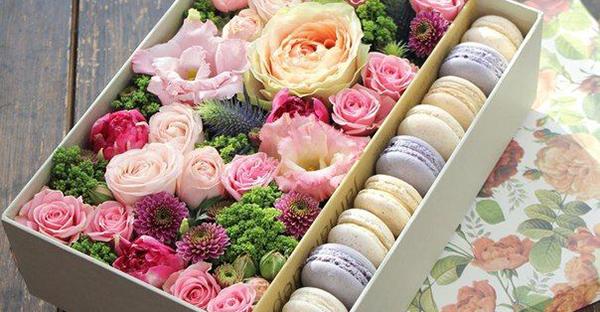 花ギフトでサプライズ☆意外性がある花贈りのアイデア集