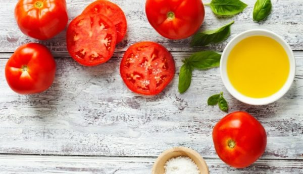 トマトに含まれる栄養素が美肌に効く5つのワケ