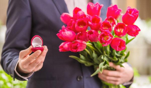 3月の誕生花とその花のロマンティックな花言葉