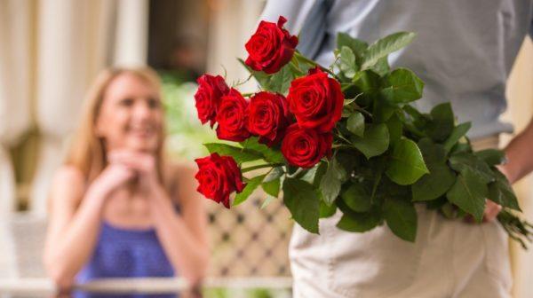 6月の誕生花とその花のロマンティックな花言葉
