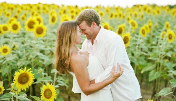 8月の誕生花とその花のロマンティックな花言葉