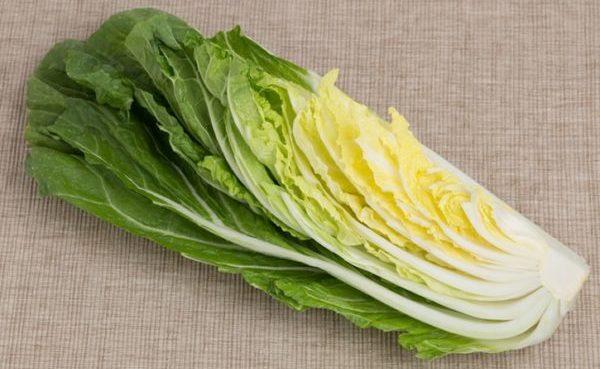カットされた白菜のイメージ